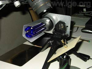 Equipo para fotografías en luz UV.